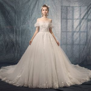 Luxury / Gorgeous Ivory Wedding Dresses 2019 A-Line / Princess Off-The-Shoulder Puffy Short Sleeve Backless Appliques Lace Beading Tassel Chapel Train Ruffle