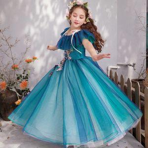 Schöne Tintenblau Blumenmädchenkleider 2019 Prinzessin Off Shoulder Kurze Ärmel Applikationen Spitze Perle Lange Rüschen Rückenfreies Kleider Für Hochzeit