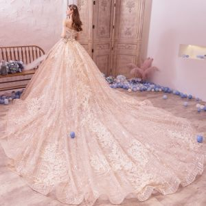 Bling Bling Champagne Robe De Mariée 2019 Princesse De l'épaule Manches Courtes Dos Nu Appliques En Dentelle Fleur Perlage Glitter Tulle Royal Train Volants
