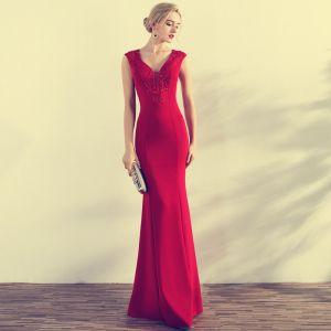 Schöne Rot Abendkleider 2017 Mermaid Perlenstickerei Pailletten V-Ausschnitt Reißverschluss Ärmellos Lange Abend