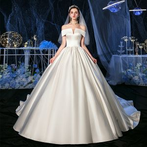 Modest / Simple Ivory Satin Bridal Wedding Dresses 2020 Ball Gown Off-The-Shoulder Short Sleeve Backless Chapel Train Ruffle
