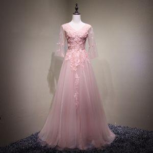Piękne Różowy Perłowy Sukienki Wieczorowe 2017 Princessa Z Koronki Kwiat Frezowanie Sztuczne Kwiaty V-Szyja Bez Pleców 3/4 Rękawy Długie Sukienki Wizytowe