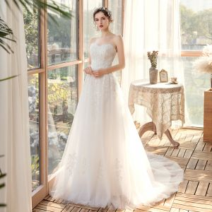 Elegant Outdoor / Garden White Wedding Dresses 2020 A-Line / Princess Sweetheart Sleeveless Backless Appliques Lace Beading Sweep Train Ruffle