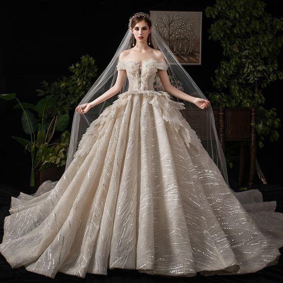 Lyx Champagne Bröllopsklänningar 2019 Balklänning Av Axeln Beading Paljetter Korta ärm Halterneck Royal Train