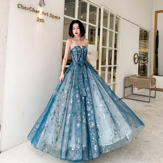 Eleganckie Ciemnoniebieski Sukienki Wieczorowe 2020 Princessa Bez Ramiączek Bez Rękawów Aplikacje Cekiny Długie Wzburzyć Bez Pleców Sukienki Wizytowe