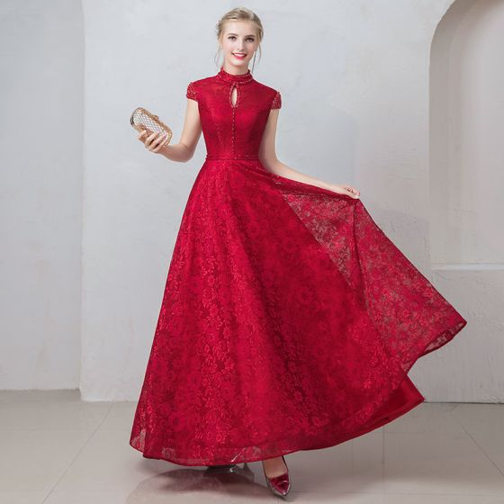 Hermoso Borgoña Vestidos de noche 2019 A-Line / Princess Scoop Escote Rebordear Crystal Con Encaje Flor Manga Corta Sin Espalda Largos Vestidos Formales