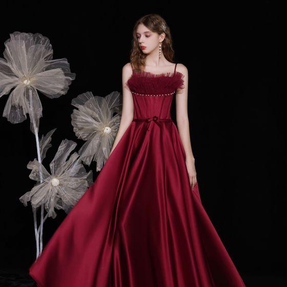 Moda Borgoña Satén Bailando Vestidos de gala 2021 A-Line / Princess Spaghetti Straps Sin Mangas Rebordear Perla Bowknot Cinturón Largos Ruffle Sin Espalda Vestidos Formales