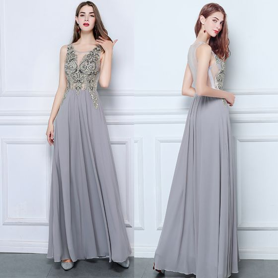 Affordable Grey Chiffon See-through Evening Dresses  2019 A-Line / Princess Scoop Neck Sleeveless Beading Floor-Length / Long Ruffle Formal Dresses