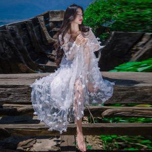 Illusion Blanche Voyage de noces Robes longues 2019 Princesse V-Cou Appliques Manches Longues Train De Balayage Vêtements Femme