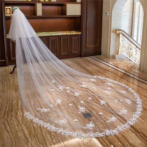 Bloemenfee Witte Royal Train Huwelijk Tule Kant Bloem Appliques Bruidssluier 2018