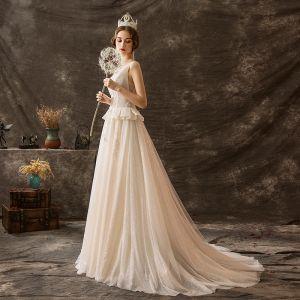 Luxus / Herrlich Champagner Glanz Brautkleider / Hochzeitskleider 2019 A Linie Rundhalsausschnitt Perlenstickerei Spitze Blumen Ärmellos Hof-Schleppe