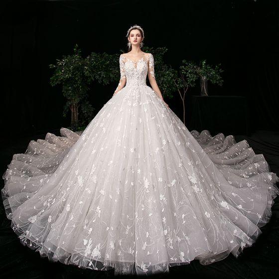 High-end Elfenben Bröllopsklänningar 2020 Balklänning Urringning Beading Rhinestone Spets Blomma Långärmad Halterneck Royal Train