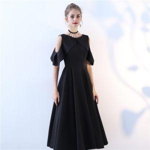 Chic / Belle Noir de retour Robe De Graduation 2017 Princesse Encolure Dégagée Bustier Sans Manches Thé Longueur Robe De Ceremonie
