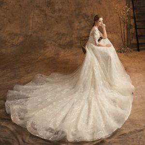 Elegante Champagner Brautkleider / Hochzeitskleider 2019 A Linie Rundhalsausschnitt Spitze Blumen Star 3/4 Ärmel Rückenfreies Kapelle-Schleppe