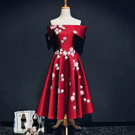 Schöne Rot Abiballkleider 2017 A Linie Charmeuse Bandeau Rückenfreies Stickerei Heimkehr Festliche Kleider