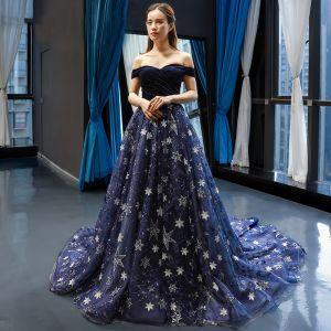 Luksusowe Granatowe Zamszowe Sukienki Wieczorowe 2019 Princessa Przy Ramieniu Kótkie Rękawy Aplikacje Z Koronki Gwiazda Cekiny Trenem Kaplica Wzburzyć Bez Pleców Sukienki Wizytowe