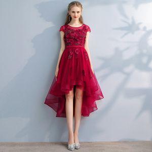 Schöne Rot Ballkleider 2017 A Linie Spitze Perlenstickerei Applikationen Perle Rundhalsausschnitt Kurze Ärmel Asymmetrisch Festliche Kleider
