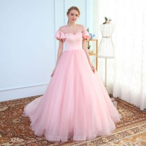 Modest / Simple Blushing Pink See-through Wedding Dresses 2018 Ball Gown Scoop Neck Short Sleeve Backless Ruffle Chapel Train