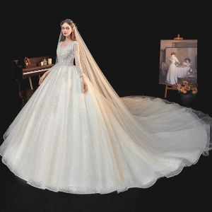 Beste Ivory / Creme Hochzeits Brautkleider / Hochzeitskleider 2020 Ballkleid V-Ausschnitt Lange Ärmel Rückenfreies Pailletten Perlenstickerei Kathedrale Schleppe Rüschen