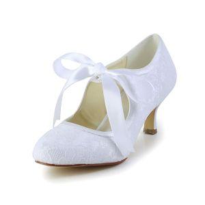 Pompes Bout Rond Milieu Talons Chics Dentelle Blanche Chaussures De Mariée Avec Noeud