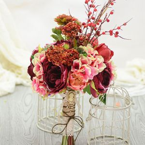 Simulation Artificial Silk Flower Nostalgic Tea Rose Berry Mash Bridal Bouquets Holding Flowers Wedding Flowers