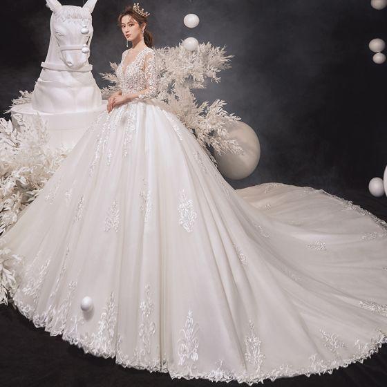 Luxus / Herrlich Ivory / Creme Brautkleider / Hochzeitskleider 2020 Ballkleid Rundhalsausschnitt Perlenstickerei Spitze Blumen Lange Ärmel Rückenfreies Kathedrale Schleppe