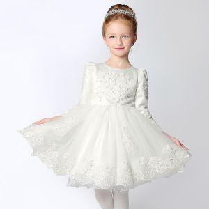 Schöne Kleider Für Hochzeit 2017 Mädchenkleider Weiß Kurze Ballkleid Rundhalsausschnitt Lange Ärmel Schleife Mit Spitze Applikationen Perle