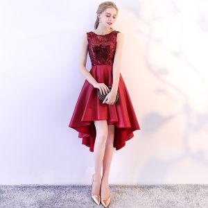 Schöne Burgunderrot Cocktailkleider 2018 A Linie Pailletten Rundhalsausschnitt Ärmellos Asymmetrisch Festliche Kleider
