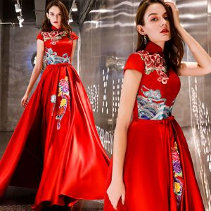 Chinese style Affordable Red Satin Evening Dresses  2019 A-Line / Princess High Neck Sleeveless Embroidered Flower Bow Sash Floor-Length / Long Ruffle Backless Formal Dresses