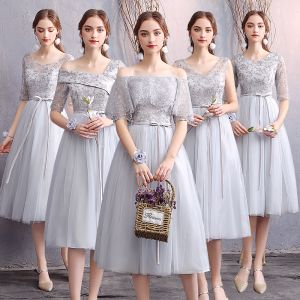 Affordable Grey Bridesmaid Dresses 2019 A-Line / Princess Appliques Lace Sash Short Ruffle Backless Wedding Party Dresses
