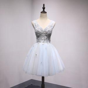 Chic / Belle Gris Bleu Ciel Robe De Fete 2018 Princesse Perlage Cristal Perle Appliques V-Cou Dos Nu Sans Manches Courte Robe De Ceremonie