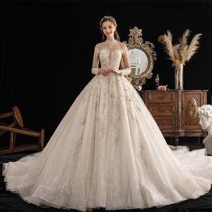 High End Ivory / Creme Durchsichtige Brautkleider / Hochzeitskleider 2019 Ballkleid Stehkragen 3/4 Ärmel Glanz Tülle Handgefertigt Perlenstickerei Pailletten Kathedrale Schleppe Rüschen