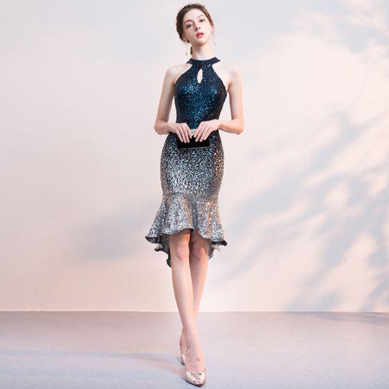 ff3ef53a5987 Sexy Marineblau Pailletten Partykleider 2018 Neckholder Ärmellos  Asymmetrisch Rüschen Rückenfreies Festliche Kleider