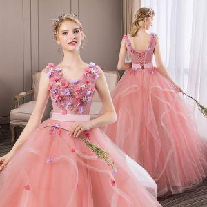 Blumenfee Rosa Ballkleider 2019 A Linie V-Ausschnitt Perle Spitze Blumen Applikationen Ärmellos Rückenfreies Fallende Rüsche Lange Festliche Kleider