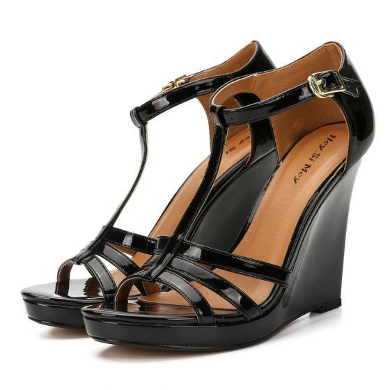 Fine Svart Gateklær Sandaler Dame 2020 Patent Lær T-Stropp 11 cm Kilehæl Peep Toe Sandaler