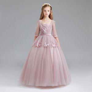 Vintage Rosa Mädchenkleider 2017 Ballkleid Eckiger Ausschnitt 3/4 Ärmel Applikationen Mit Spitze Stoffgürtel Lange Rüschen Kleider Für Hochzeit