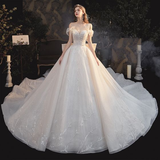 Eleganta Champagne Brud Bröllopsklänningar 2020 Balklänning Av Axeln Korta ärm Halterneck Paljetter Beading Glittriga / Glitter Tyll Cathedral Train Ruffle