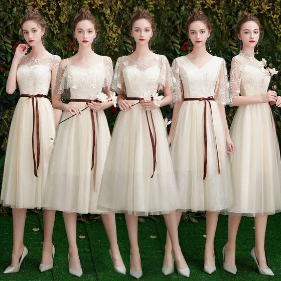 Niedrogie Szampan Koronkowe Sukienki Dla Druhen 2019 Princessa Szarfa Krótkie Wzburzyć Bez Pleców Sukienki Na Wesele