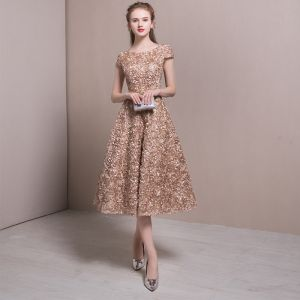 Chic / Beautiful Homecoming Graduation Dresses 2017 Champagne A-Line / Princess Tea-length Scoop Neck Short Sleeve Backless Appliques Flower Metal Sash Formal Dresses