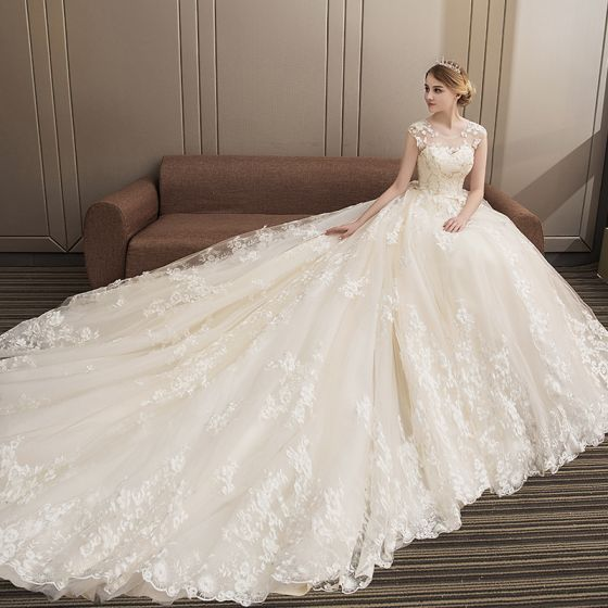 Modern / Fashion Champagne Wedding Dresses 2018 Ball Gown Lace Appliques Beading Sequins Scoop Neck Backless Sleeveless Royal Train Wedding