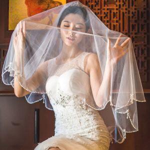 Piękne Białe Krótkie Welony Ślubne 2020 Tiulowe Frezowanie Kryształ Perła Ślub Akcesoria