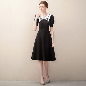 Elegant Black Satin Homecoming Graduation Dresses 2020 A-Line / Princess V-Neck Short Sleeve Knee-Length Formal Dresses