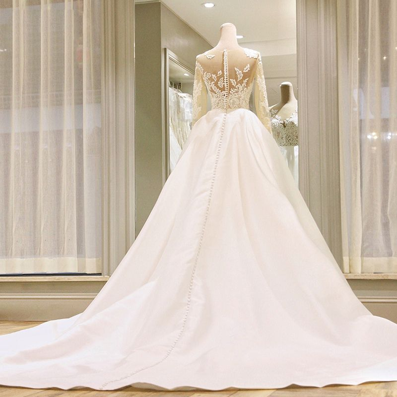 Amazing / Unique White Wedding Dresses 2017 Scoop Neck Satin Lace Ruffle Appliques Backless Long Sleeve Covered Button Chapel Train Ball Gown