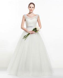 Captivante Une Ligne Robe De Mariée Parole Longueur Robe De Mariage En Cristal Encolure En V Perles