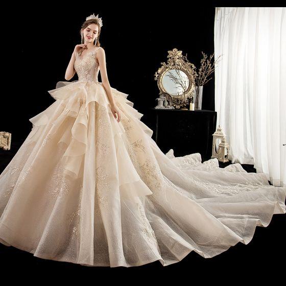 Lyx Champagne Bröllopsklänningar 2020 Balklänning Urringning Ärmlös Halterneck Appliqués Blomma Glittriga / Glitter Tyll Beading Cathedral Train Ruffle
