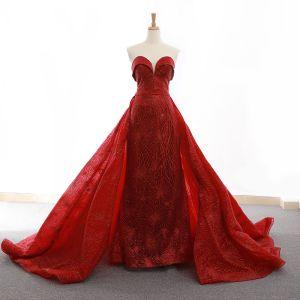 High End Rot Abendkleider 2020 A Linie Herz-Ausschnitt Ärmellos Glanz Tülle Stoffgürtel Hof-Schleppe Rüschen Rückenfreies Festliche Kleider