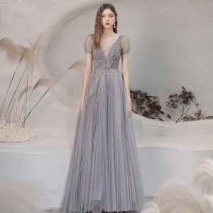Illusion Gris Transparentes Dansant Robe De Bal 2021 Princesse Col v profond Manches Courtes Paillettes Perlage Glitter Tulle Longue Plissée Dos Nu Robe De Ceremonie