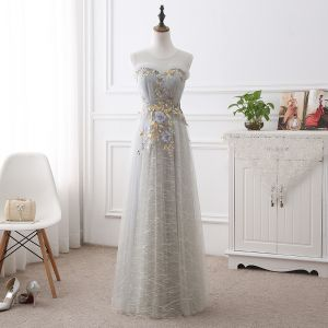 Discount Grey See-through Prom Dresses 2018 A-Line / Princess Scoop Neck Sleeveless Appliques Lace Flower Floor-Length / Long Ruffle Formal Dresses