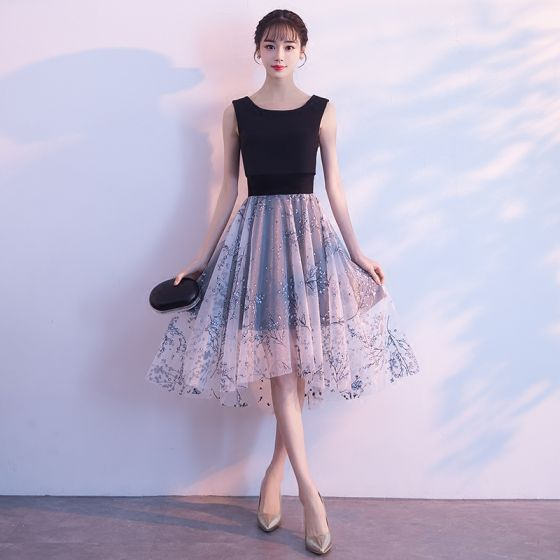 Elegant Black Grey Homecoming Graduation Dresses 2018 A-Line / Princess Scoop Neck Sleeveless Printing Flower Tulle Knee-Length Ruffle Formal Dresses