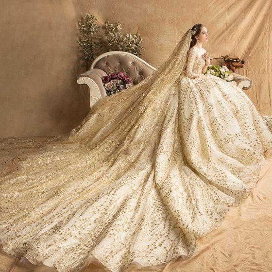 Lyx Guld Bröllopsklänningar 2019 Balklänning Fyrkantig Ringning Glittriga / Glitter Tyll Beading Paljetter Kristall 3/4 ärm Halterneck Royal Train